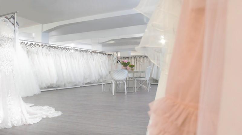 Rena Sposa: Hochzeitskleider, Trauringe und Beratung mit Herz